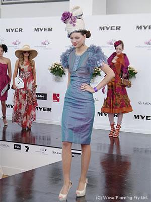 メルボルンカップのファッションショー