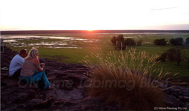 湿原に沈む夕陽を一望できる絶景ポイント、カカドゥ国立公園