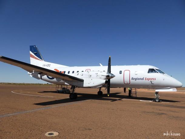 こんな感じの小さなプロペラ機しか飛んでいない…けど、これ、サーブ SAAB 340機!